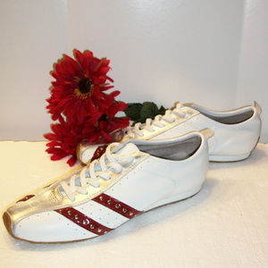 Jessica Simpson 7.5M Leather Lace Up Sneaker NWOB